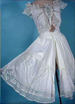 http://www.antiquedress.com/item4873.htm