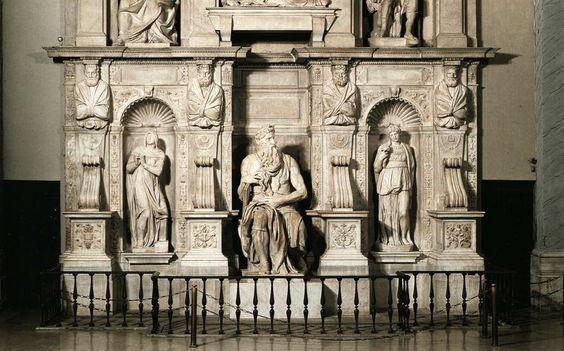 La estatua se encuentra, desde hace mucho tiempo, en Roma, pero no en el lugar para el que fue concebida en un principio, sino en otra igles...