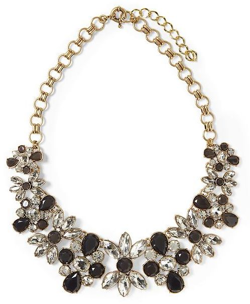 #black and clear flower necklace http://rstyle.me/n/i2sarr9te
