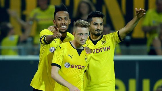 Borussia Dortmund.  Marco Reus trying to channel his inner Beyoncé.  So fierce.  Gündogan looks pretty fab too, haha!