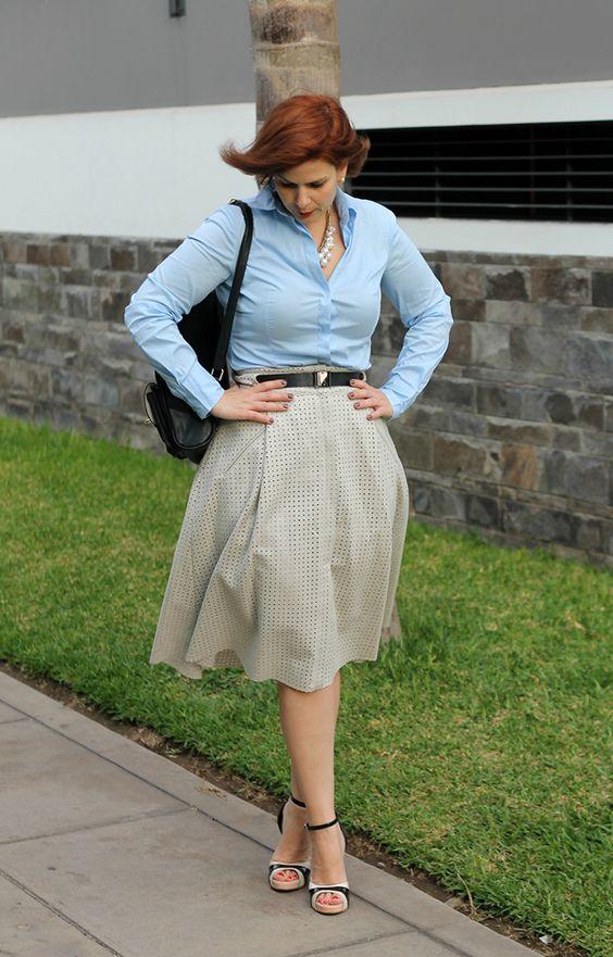 DIVINA EJECUTIVA: Mis Looks - Probando otra falda midi