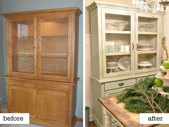 love this look.  Maybe I need glass on the doors of my dining room buffet to make it look less like a built in. hmm