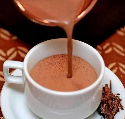 Pequenos Mimos: Chocolate quente cremoso
