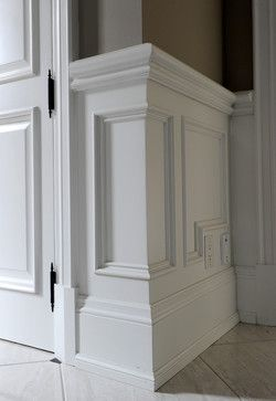 View Of Outside Corner Of Wainscot Molding Wainscoting Wainscoting