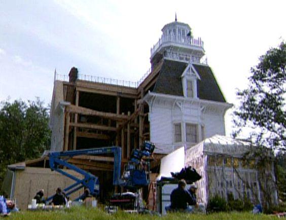 taking down the Practical Magic movie house (San Juan Island, Washington ... not New England East Coast)