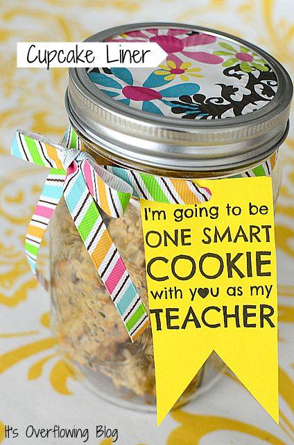Mason Jar Cupcake Liner with Cookies - teacher gift idea - like the ribbon cut tag too