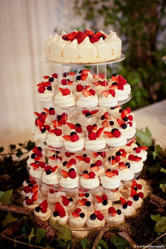 Petite Pavlovas perfect alternative to wedding cake for a summer wedding.