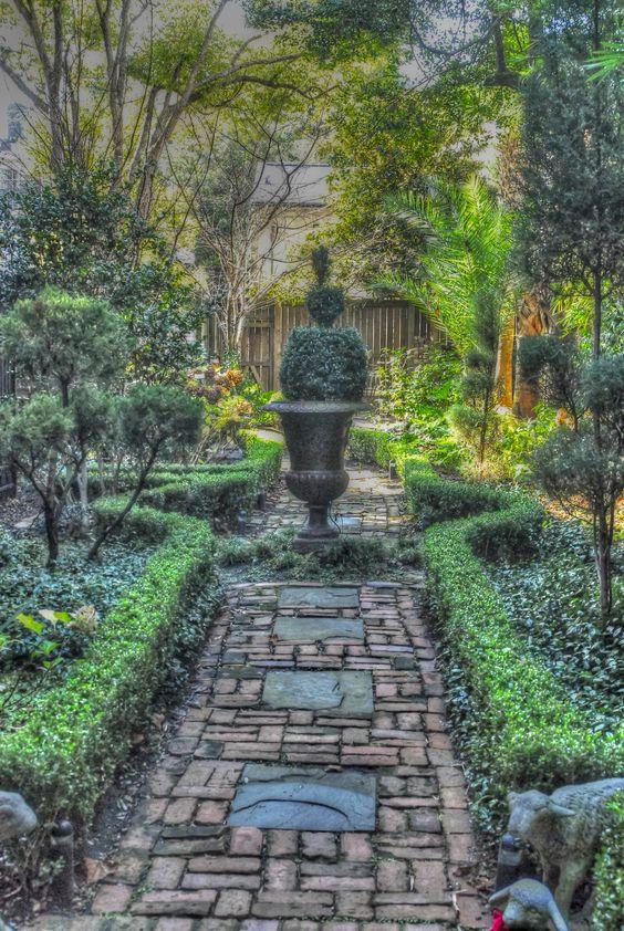 Savannah courtyard art photography pinterest gardens for Landscaping rocks savannah ga