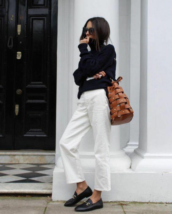 pantalon-costume-blanc-look-veste-en-jean-femme-chic-tenue-top-noir