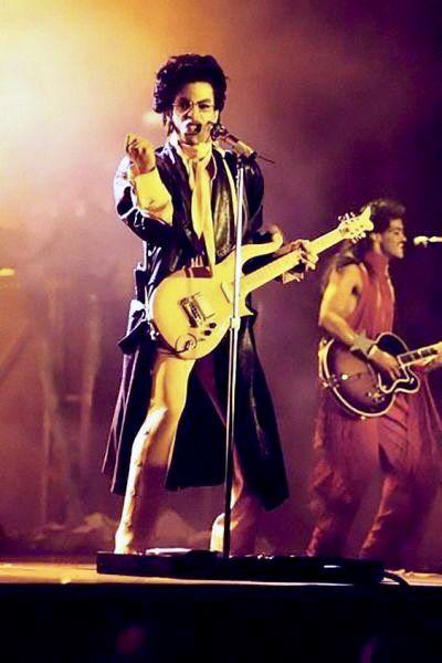 Pin On Prince Sign O The Times Love Sexy Graffiti Bridge Bat Dance