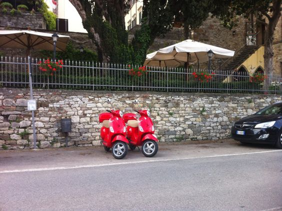 Vespa to tour Tuscan countryside #Chianti #Val d' Orcia and everywhere in #Tuscany