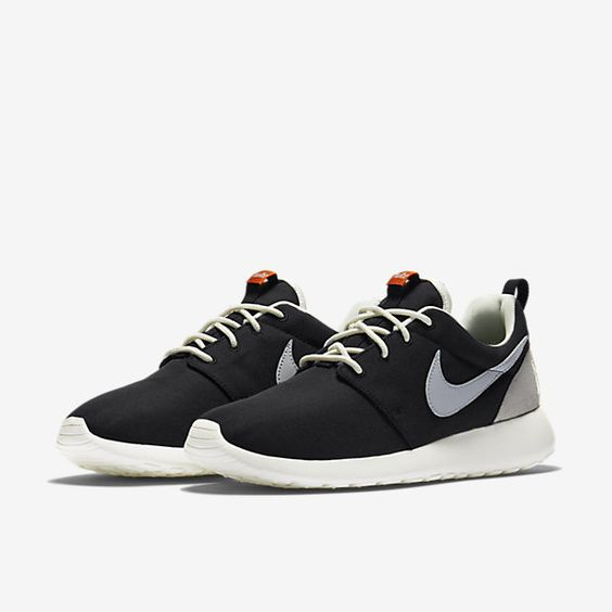 Nike Roshe One Retro Women's Shoe