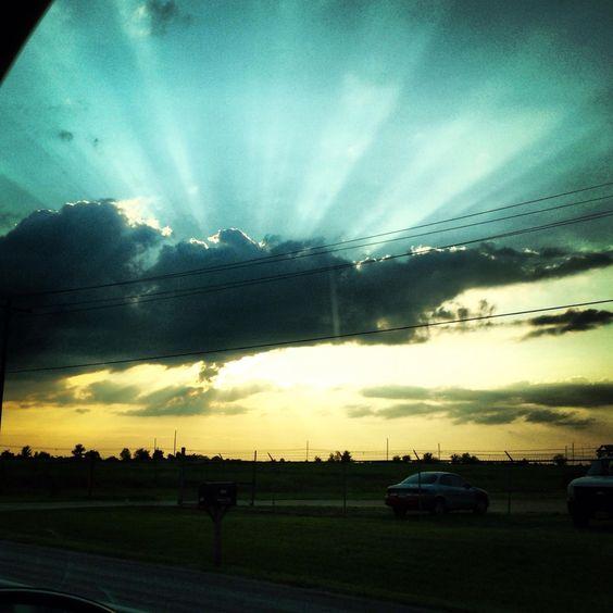 Love when the sun shines through a cloud ❤️