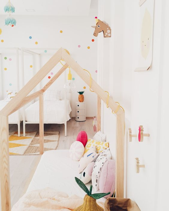 ROOM STYLING: A COLORFUL SHARED GIRLS ROOM - Live Loud Girl
