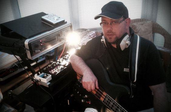 Simon Edward | UK Bassist and composer | InfinityBass.com