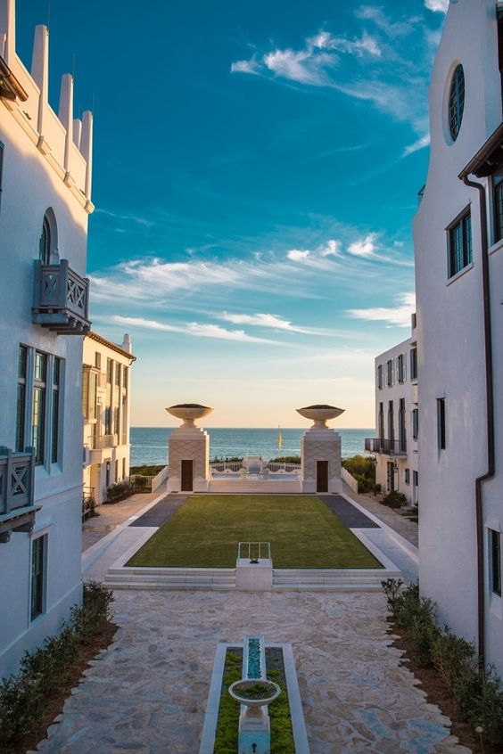 Swanky neighborhoods such as Alys Beach are as much a destination as the sparkling Gulf of Mexico. The fashion concept of winter white is alive and well at Alys Beach, where the all-white houses and buildings are a crisp contrast to the blue skies. Image: Alys Beach