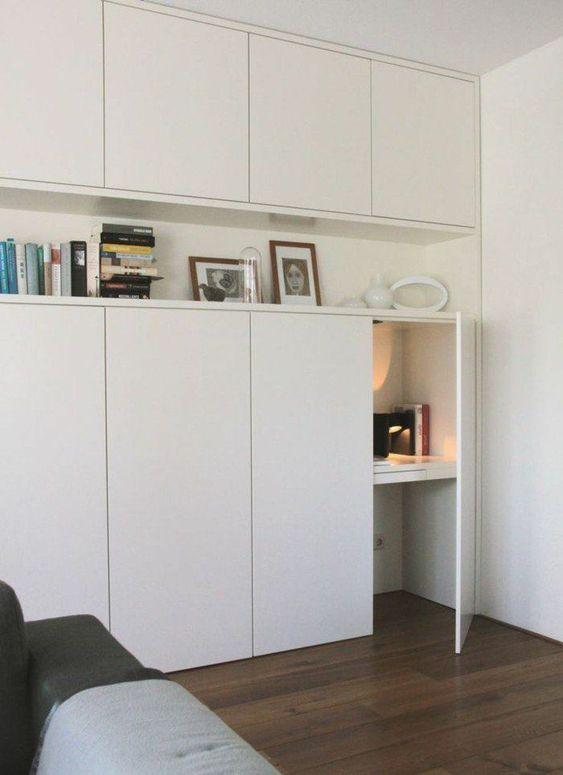 Auf Der Suche Nach Dem Besten Design Fur Schrankturen Also Geben Wir Dir Entree Schrankturen Schrank Schreibtisch Zu Hause