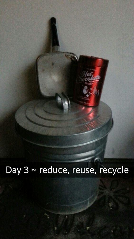 Day 3 of my Minimalist Challenge prettypalmtree.tumblr.com