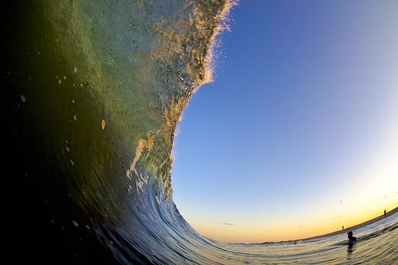 This golden lip heads toward destiny on the shores of the Eastern Seaboard. Photo: Mack