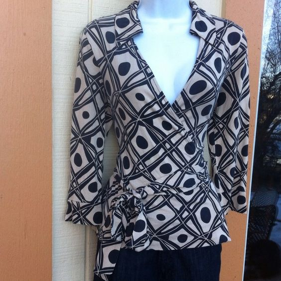 Diane Von Furstenberg top Great condition Diane von Furstenberg Tops Blouses