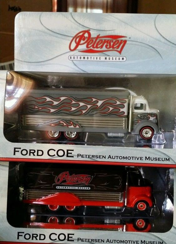 HOTWHEELS PETERSON AUTOMOTIVE MUSEUM EXCULSIVE FORD COE SET OF 2