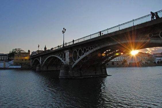 Sevilla, puente y Triana