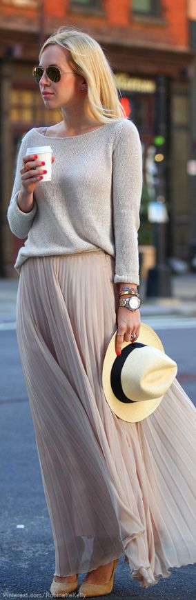Look neutro, simples e sofisticado. Adorei o movimento da saia!: