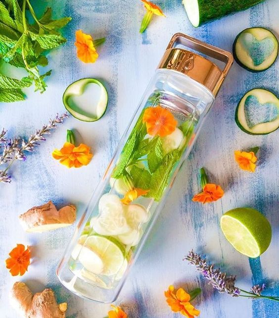 lime, ginger, cucumber, mint & flowers detox water by @ ros13 // sign up to the link in our bio for 16 detox water recipes in a free ebook that work perfect in your #dropbottle