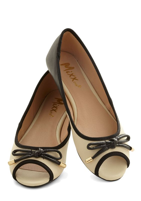 22 Flat Shoes To Inspire Yourself shoes womenshoes footwear shoestrends