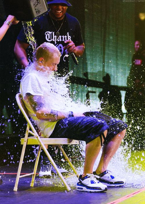 Eminem's On-Stage ALS Ice Bucket Challenge in Detroit! Quickly followed up by him challenging and then ice bucket-ing Rihanna (who is the one dumping ice water on his head)