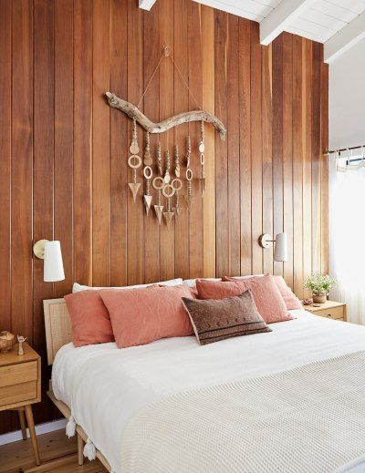 1970s Bungalow Home Filled With Warm Wood And Natural Accents — Bedroom