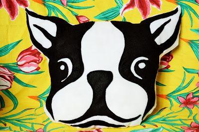 Almofada bulldog francês - Quer comprar? / Do you wanna buy? sanguelatinoartesanato@gmail.com - bulldog, french, almofada, decoração, quarto, sala, cama, sofá, tecido, feltro, felt, fieltro, artesanato, artesanía, handmade
