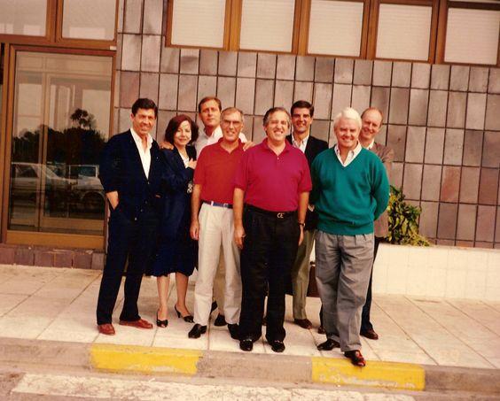 Septiembre 1988.Comite de Dirección de Johnson Wax en el aereopuerto de Vigo. De izquierda a derecha: Bernard, Pepita, Jaime, Raimond, Marino,Luis, Peter y Bernrad