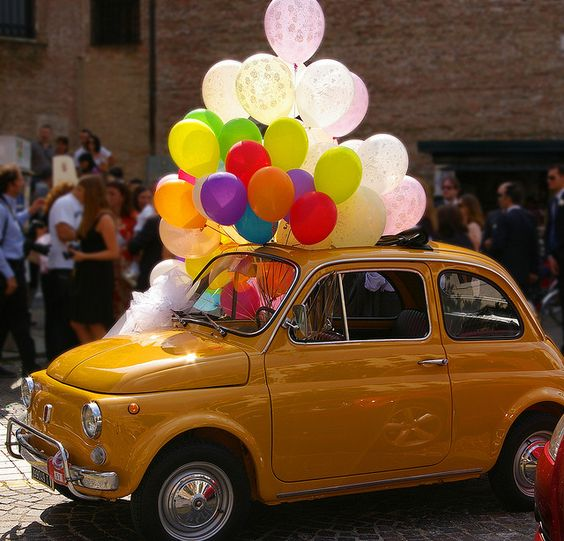 Shiny #Fiat500 & colorful balloons
