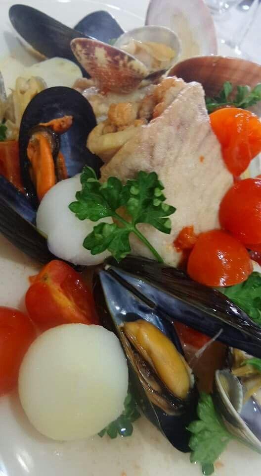 """Ecco il nostro """"involtino di pesce spada con frutti di mare"""" è una leccornia per il palato. Buon appetito."""