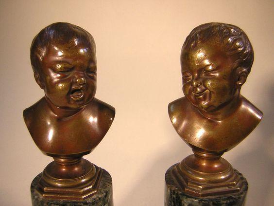 Paar Kinder Bronze Büste lachendes Kind weinendes Kind um 1840