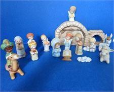 Hallmark Mary Hamilton Porcelain Nativity Original Set Rare Original Set