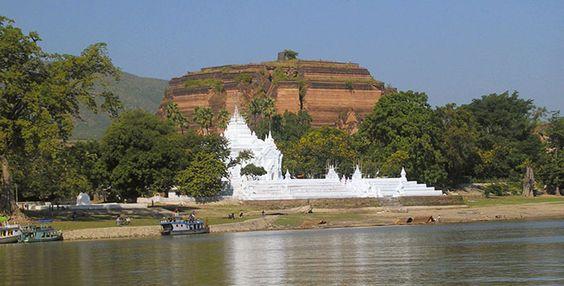 Sockel der größten Zedi (Stupa) der Welt