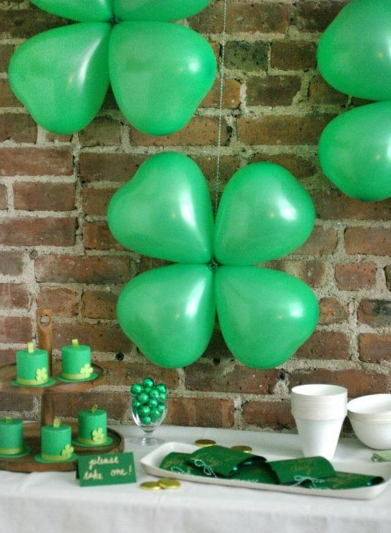 by Ashley Page Norton  These balloons are great decorations for St. Patrick's Day – they're so easy to assemble that in a few minutes you'll have enough decor to make a huge impact at your party. All: