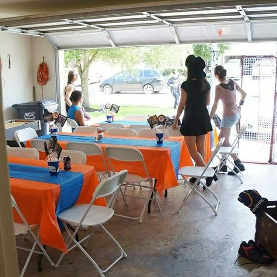 Garage Decorated For Party: Garage Table Set Up For Graduation Party.