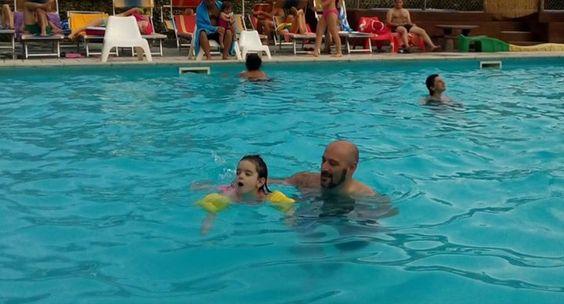 Oggi pomeriggio lezioni di nuoto...