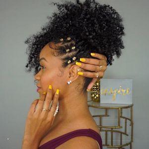 Elegant Coiffure Afro Cheveux Naturels Les Dernieres Tendances De Coiffure Coiffure Coiffureafr Cheveux Naturels Coiffure Afro Idee Coiffure Cheveux Crepus