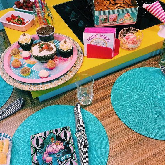 Café da tarde do amor com esses doces delicia da @gabrielagaviao  by tacielealcolea