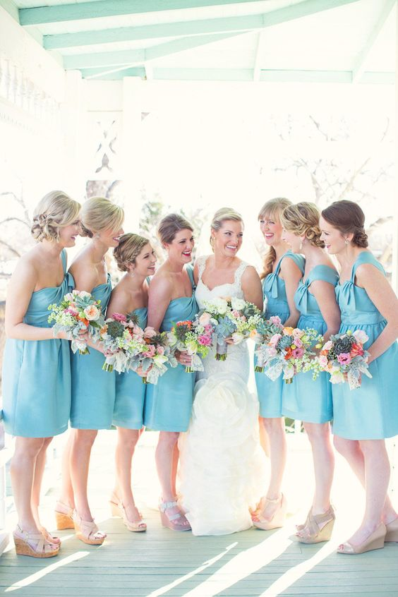 Blue bridesmaids dresses   Abiti damigelle azzurri   Cinderella wedding   Matrimonio da favola: Cenerentola   http://theproposalwedding.blogspot.it/ #cinderella #wedding #cenerentola #matrimonio #princess #disney #fairytale