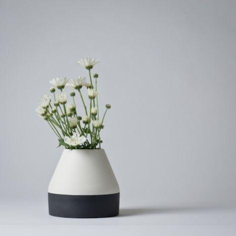 Ceramic flower vase by Nathalie Lahdenmaki