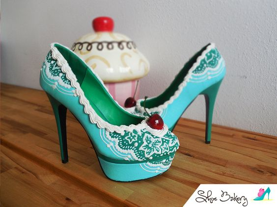 So creative! Love this cake! Shoe Bakery Custom heels | GALLERY ...