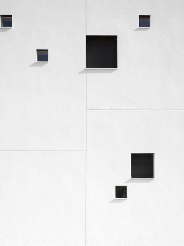 1 | change of scale idea | Ide untuk pergantian skala akan foto hitam dan putih di canvas