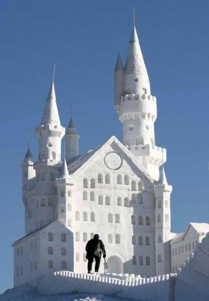 castle snow sculpture #snowSculpture #snow #winter #sculpture #castle