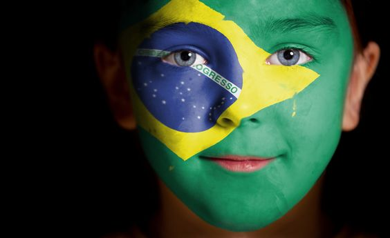 Brazil flag face paint.@Jorge Martinez Martinez Martinez Martinez Cavalcante (JORGENCA)