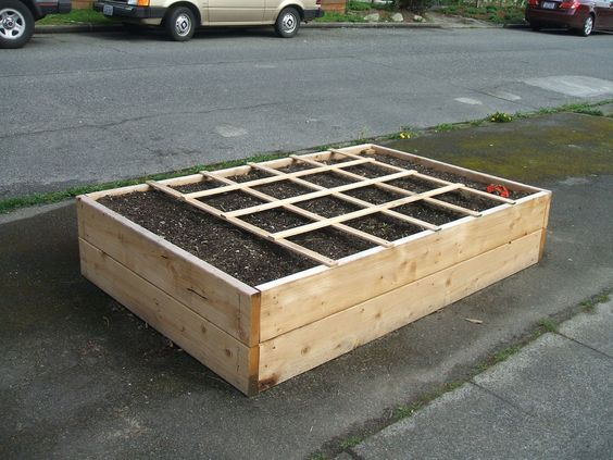 Concrete block raised bed gardening ideas pinterest for Concrete raised garden bed designs